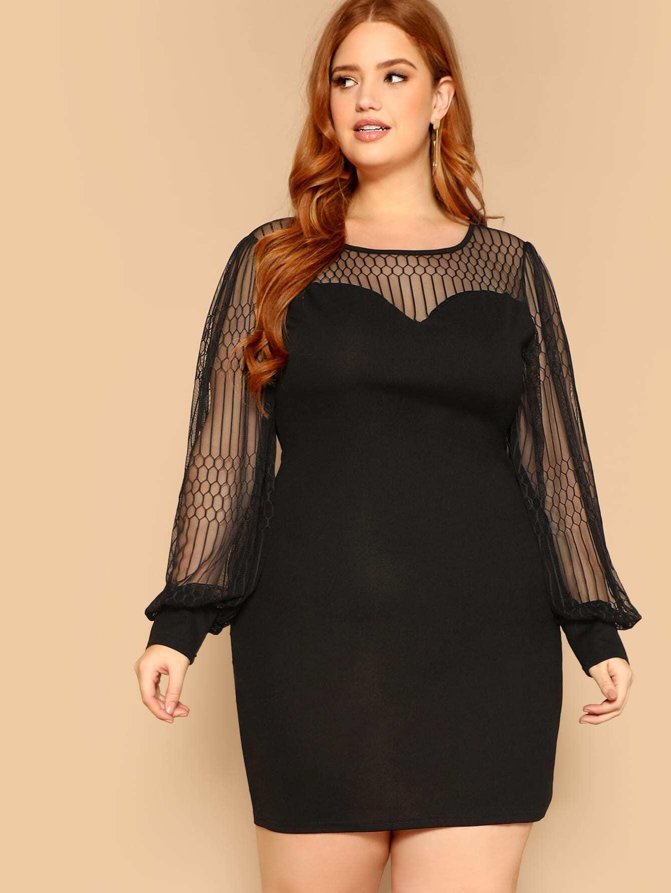 Платье-свитшот с сетчатой вставкой размера плюс