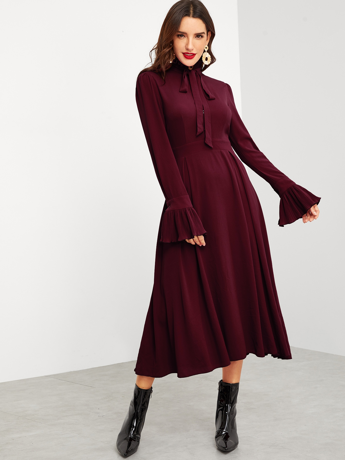 Купить Расклешенное платье с завязывающимся воротником и оборками, Juliana, SheIn