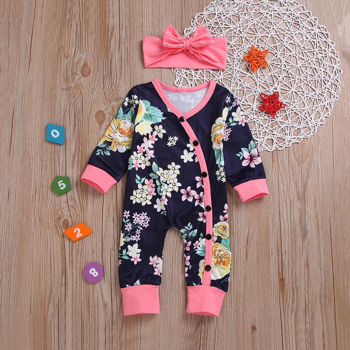 Однобортный комбинезон с цветочным принтом и повязка на голову для младенца от SHEIN