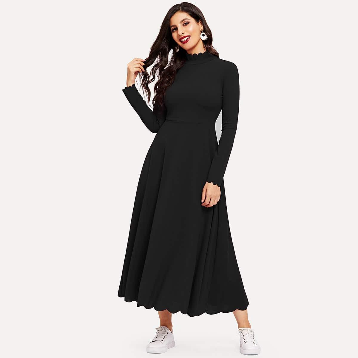 Платье-клёш с веерообразной отделкой Image
