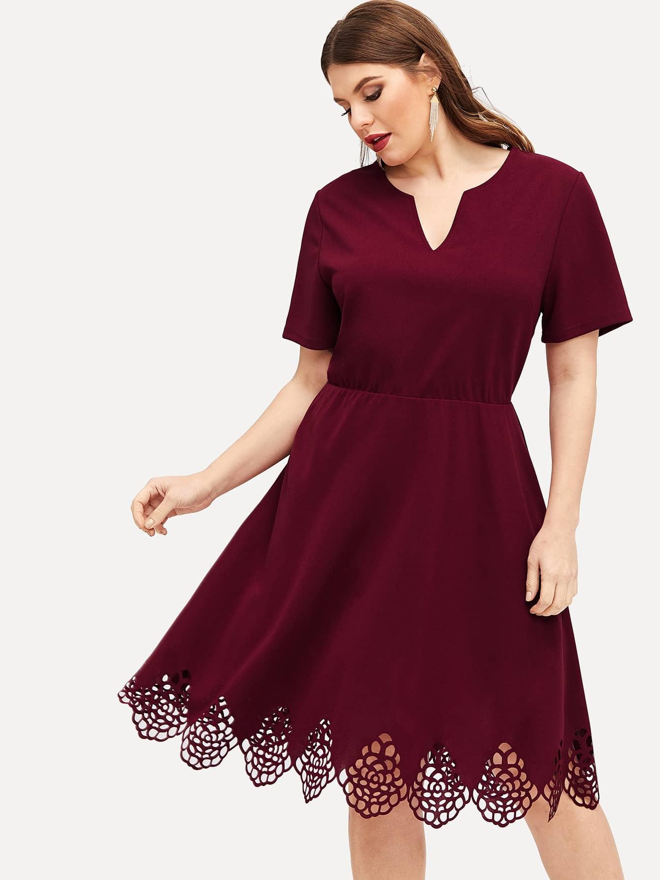 Размера плюс платье с V-образным вырезом