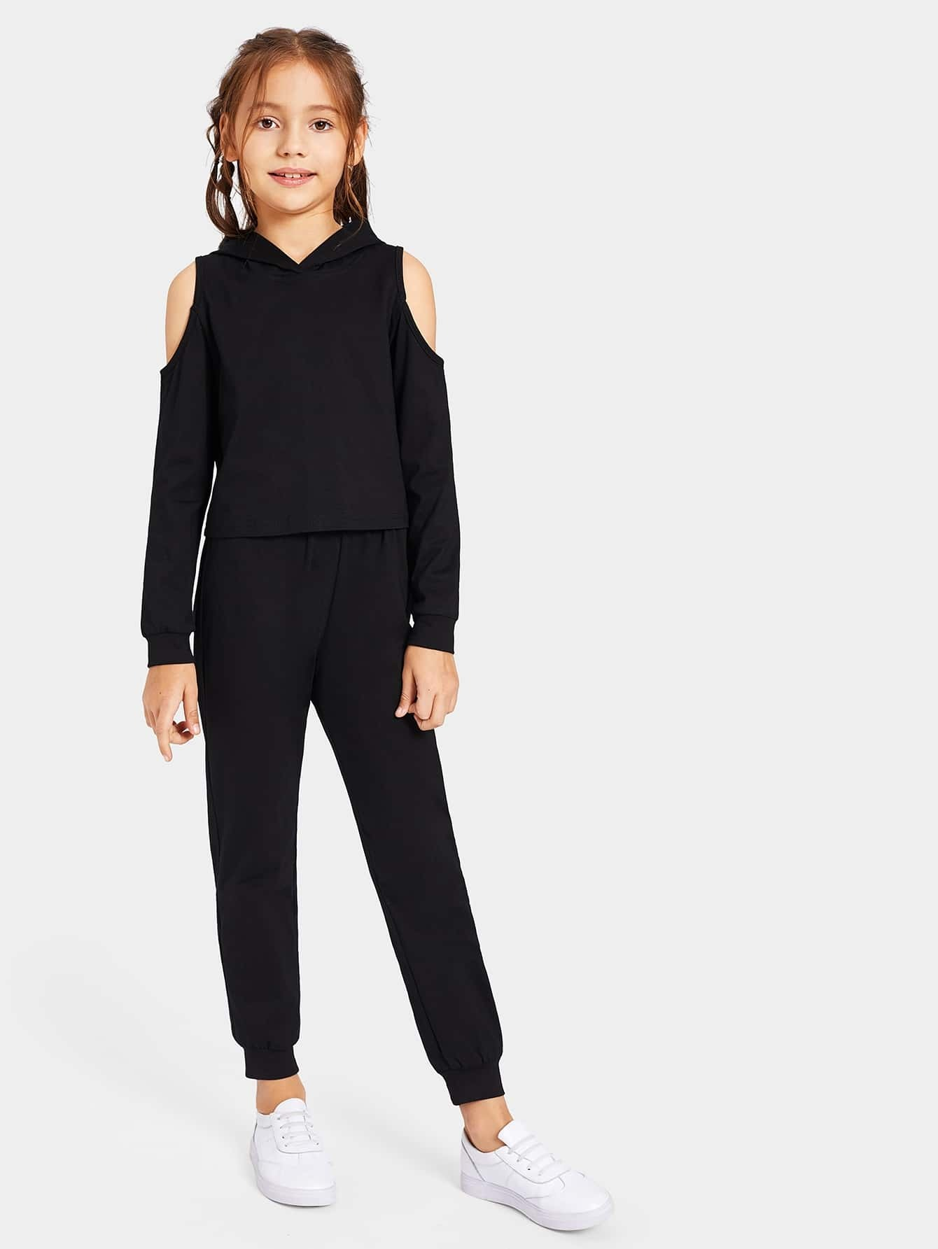 Толстовка с ажурным плечом и спортивные брюки для девочек от SheIn