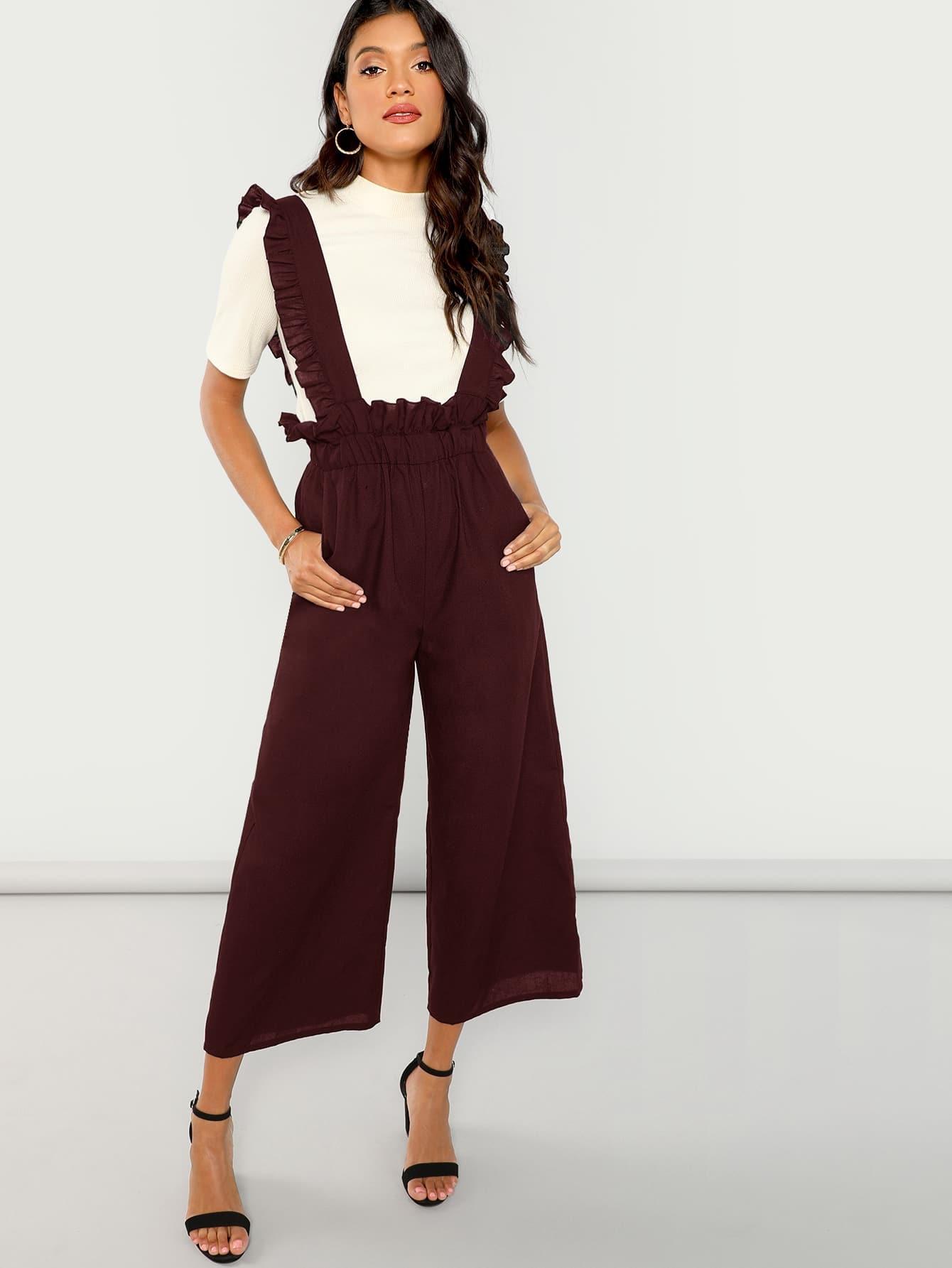 Однотонные широкие брюки с оборками на бретелях SheIn