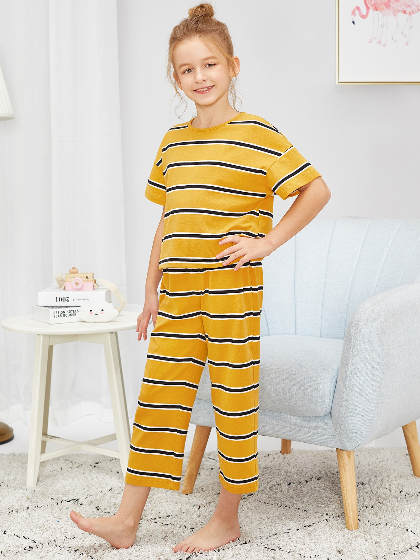 Полосатый топ с заниженной линией плеч и брюки пижама комплект для девочек от SheIn