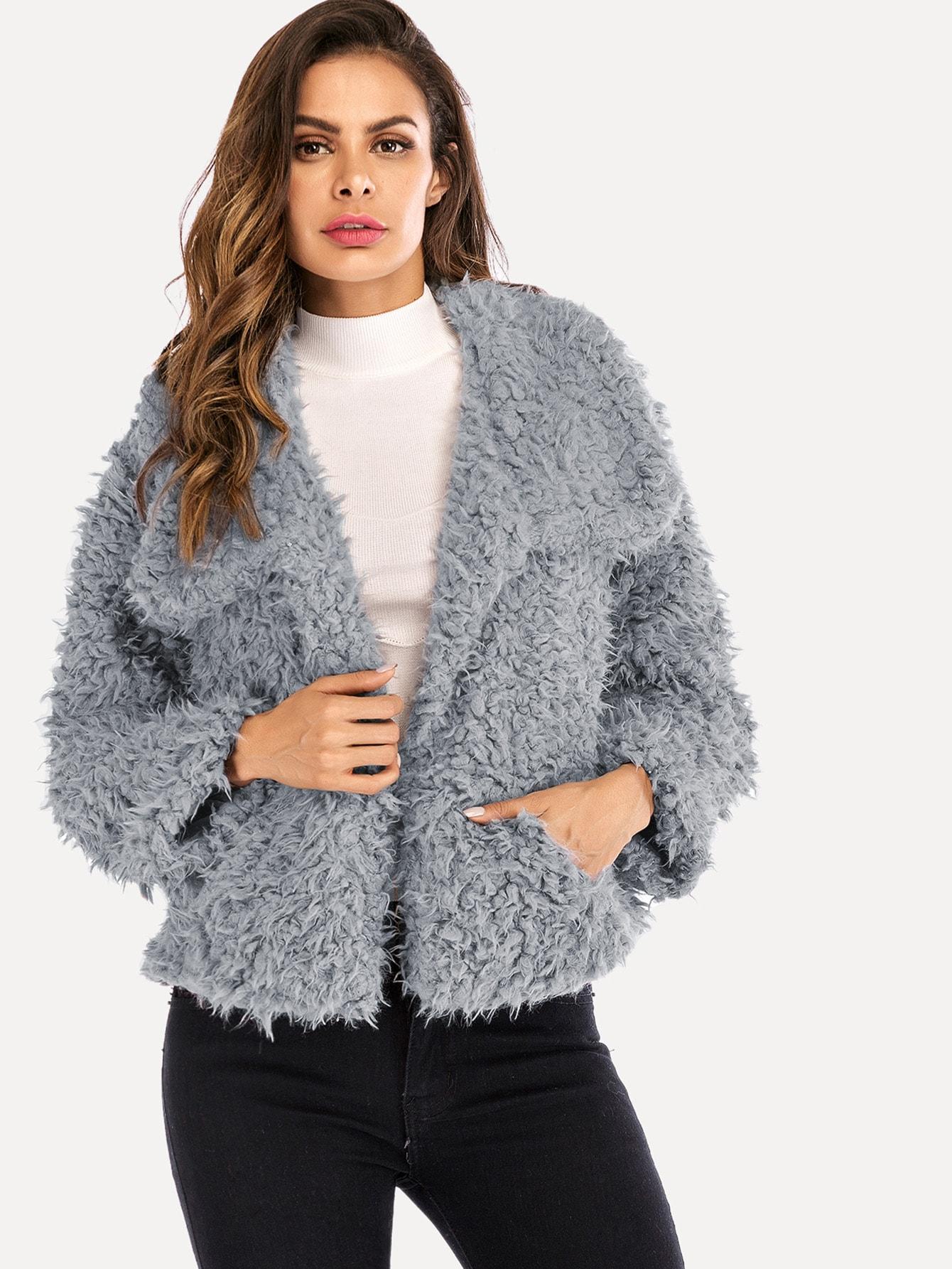 Фото - Одноцветное пушистое пальто тедди от SheIn серого цвета