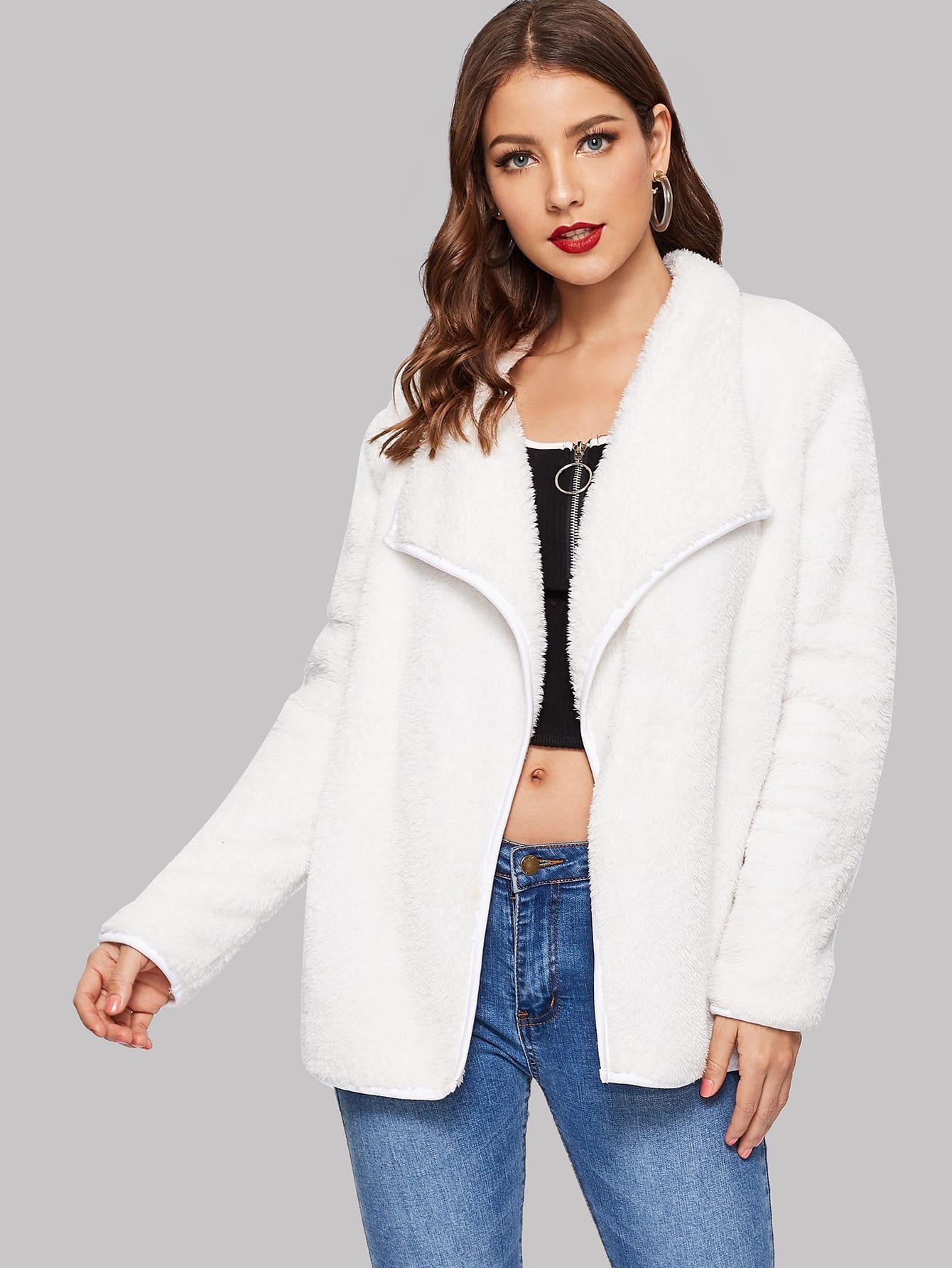 Купить Пушистое пальто с оригинальным вырезом, Debi Cruz, SheIn