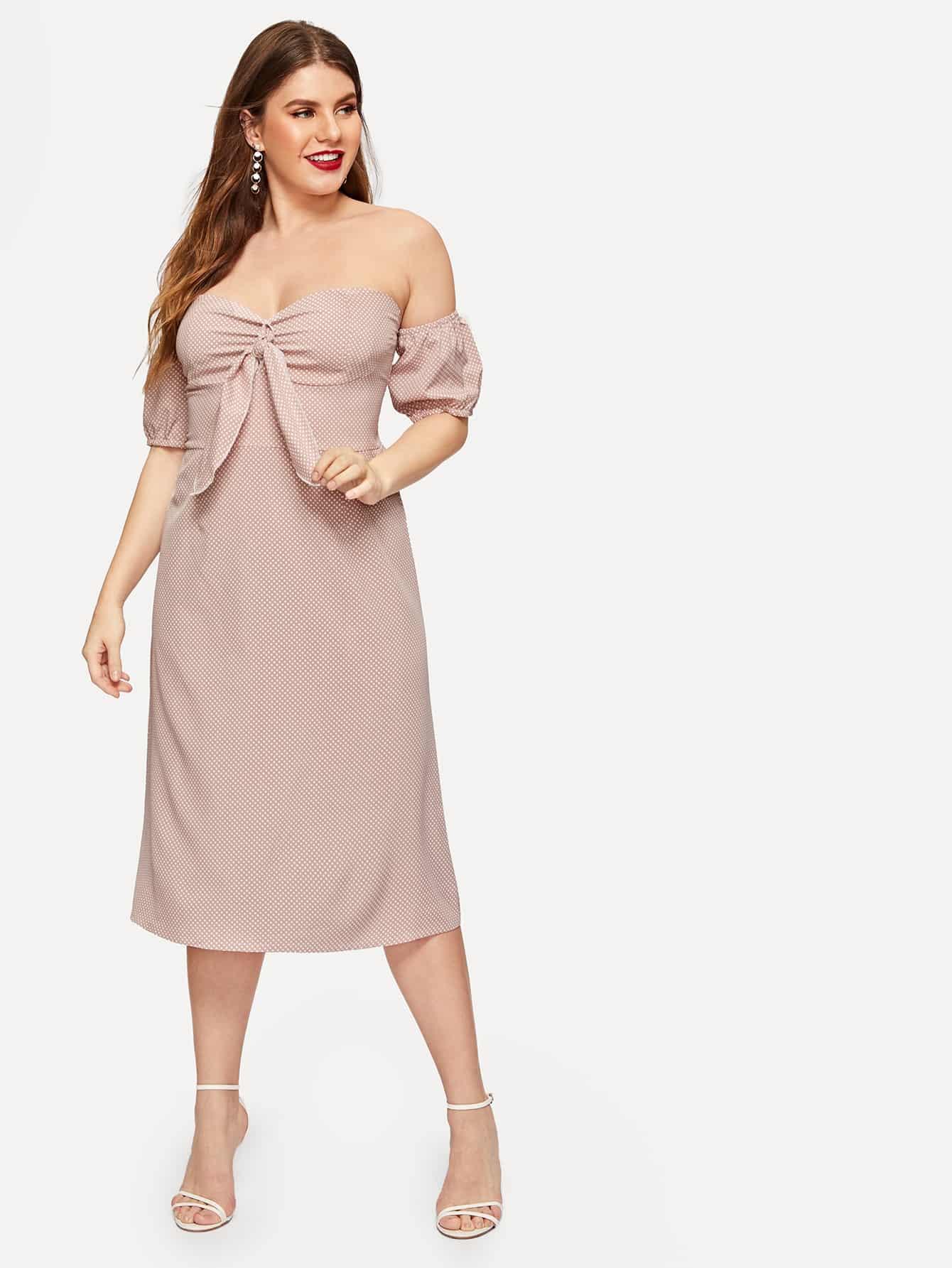 Размера плюс платье в горошек с бантом и открытыми плечами
