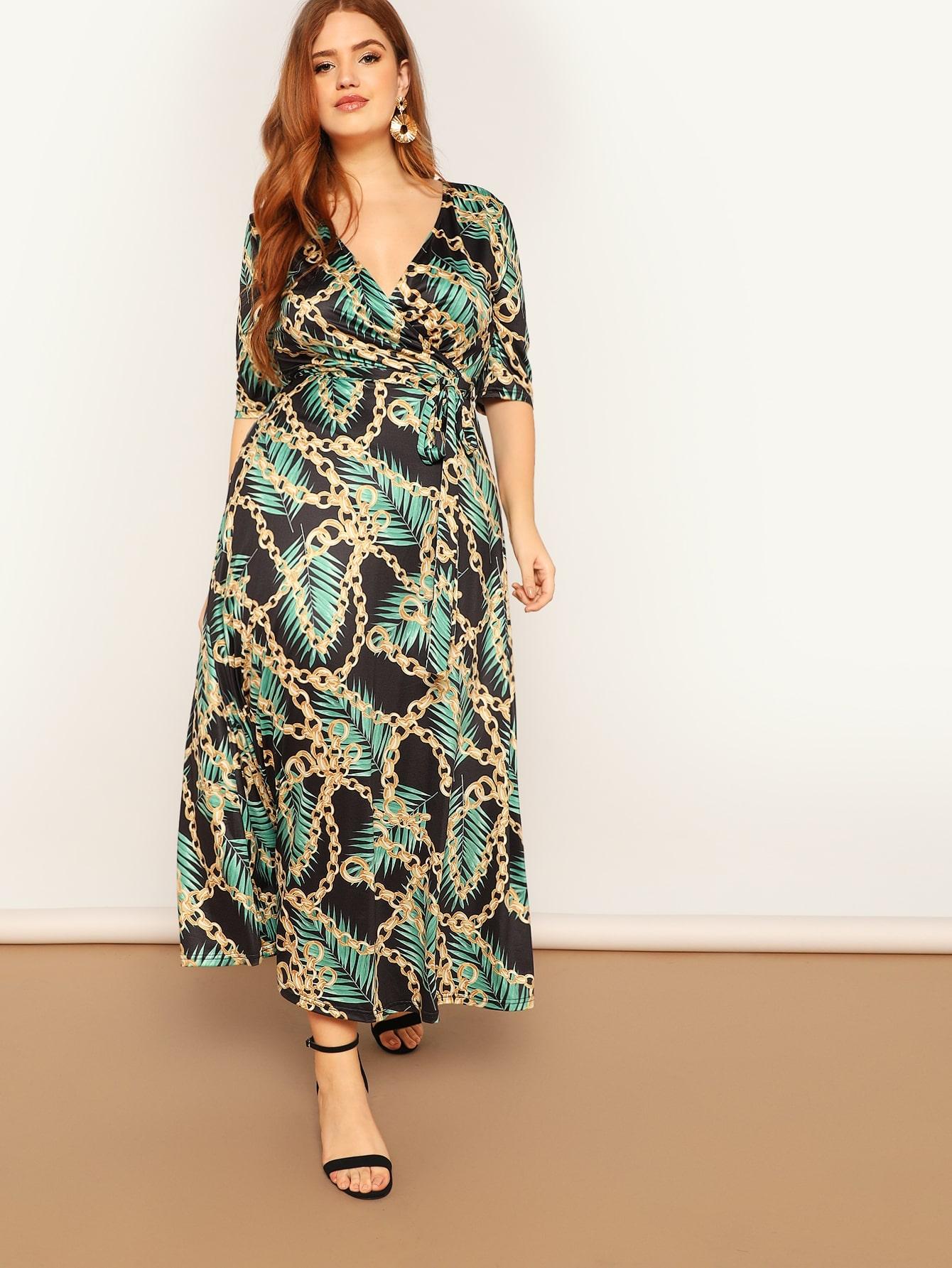 Размера плюс платье с поясом и принтом графическим и листьев