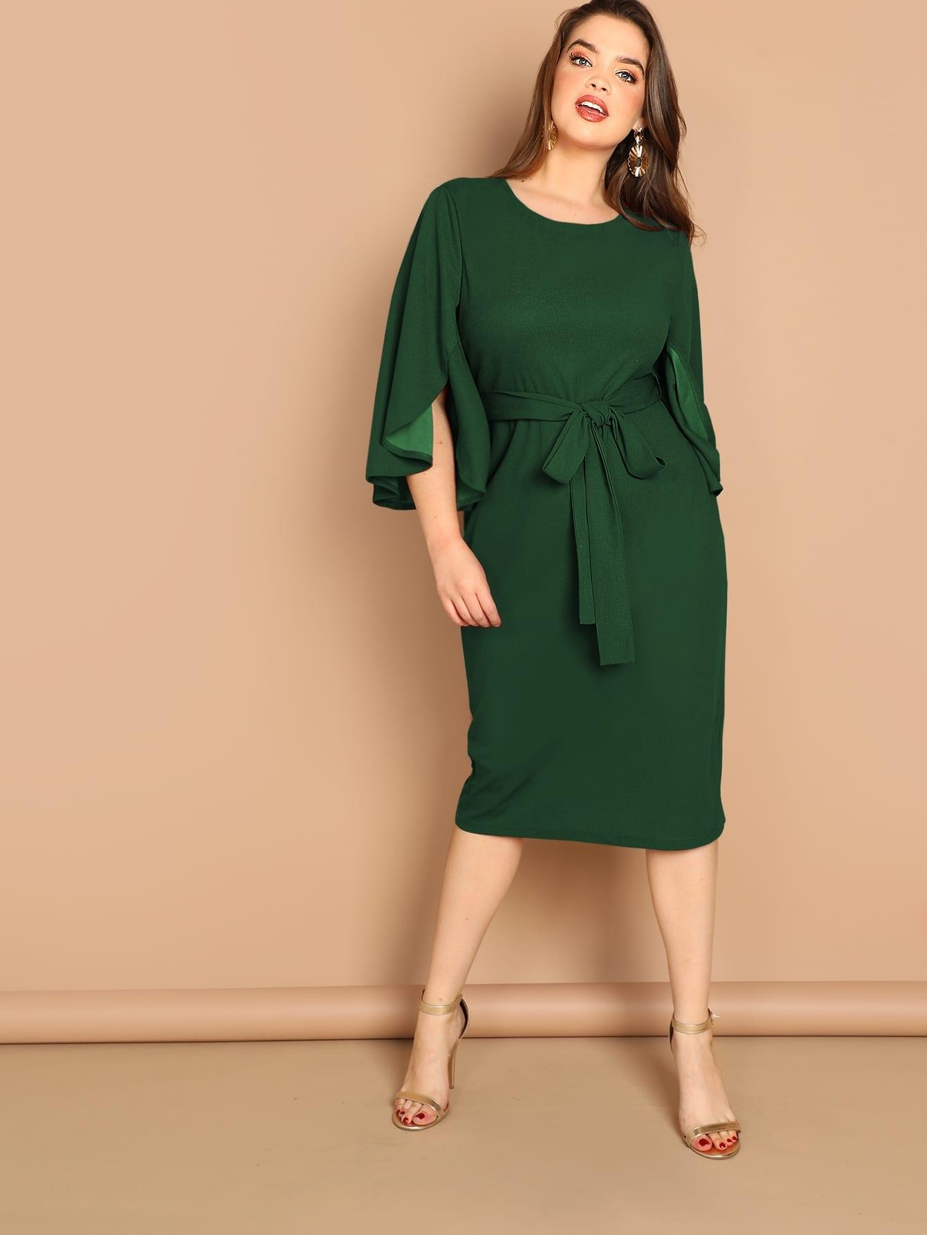 Размера плюс стильное платье с поясом и оригинальным рукавом