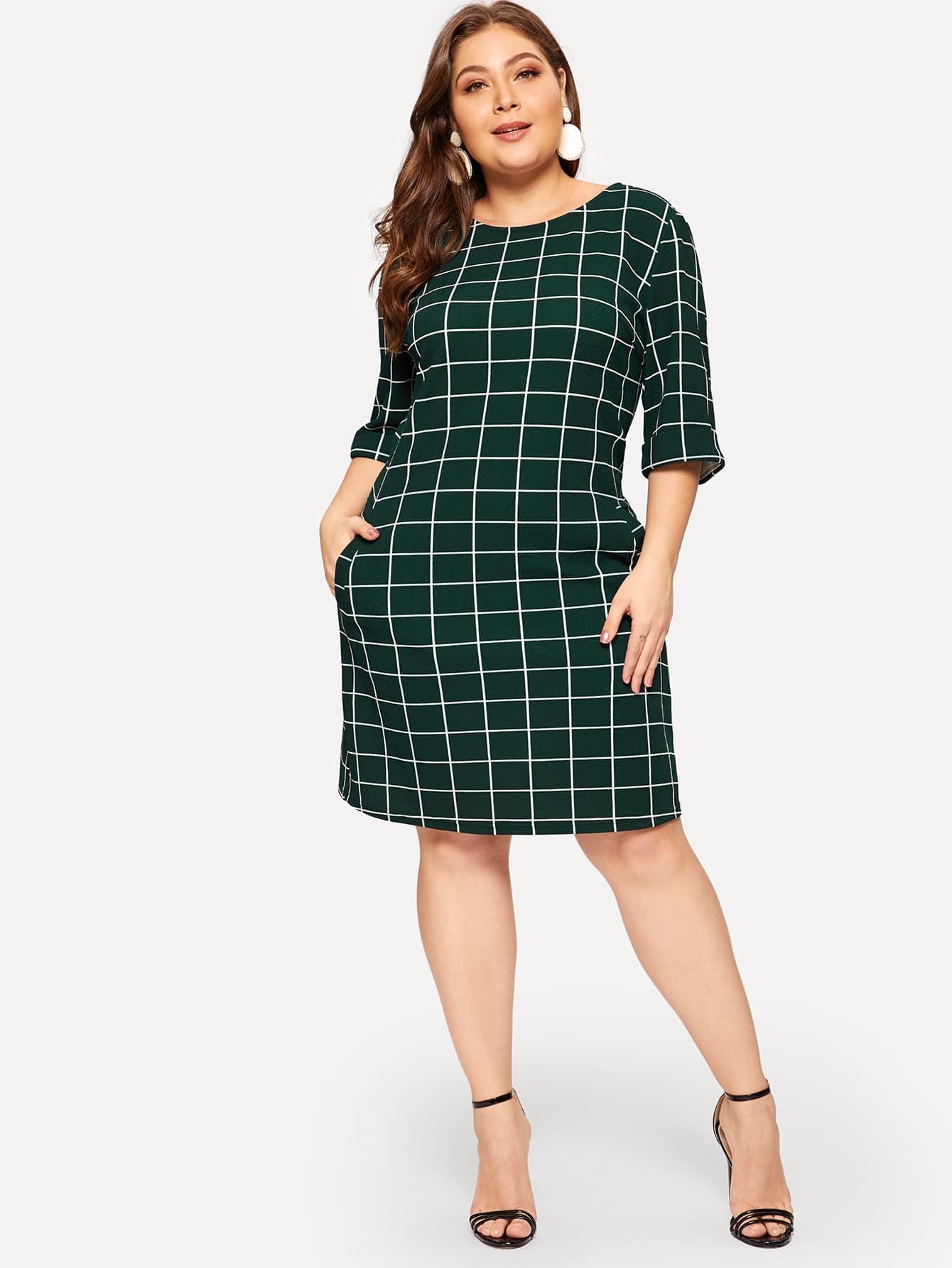 Размер плюс платье в клетку с боковыми карманами и молнией сзади