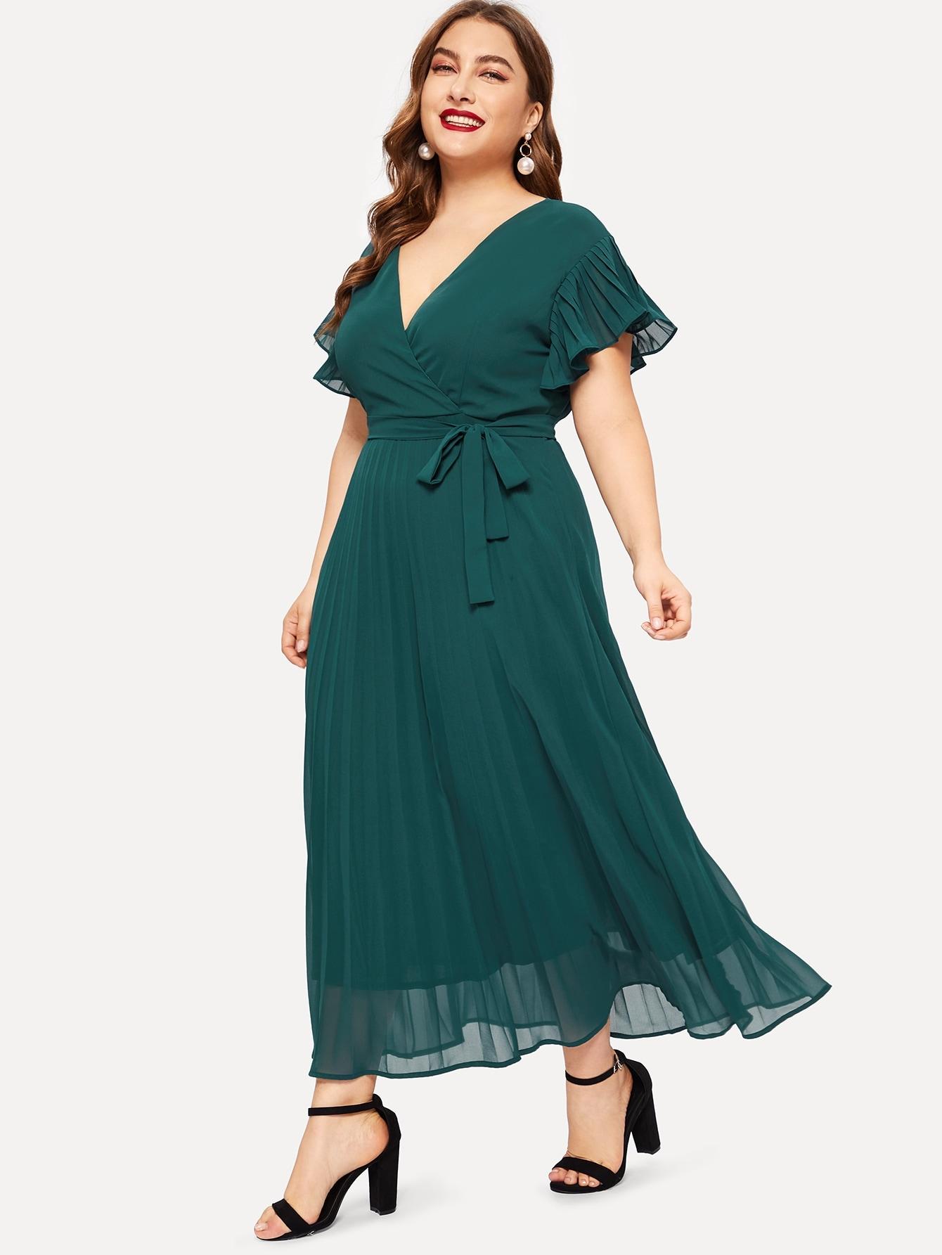 Размера плюс плиссированное платье с V-образным вырезом