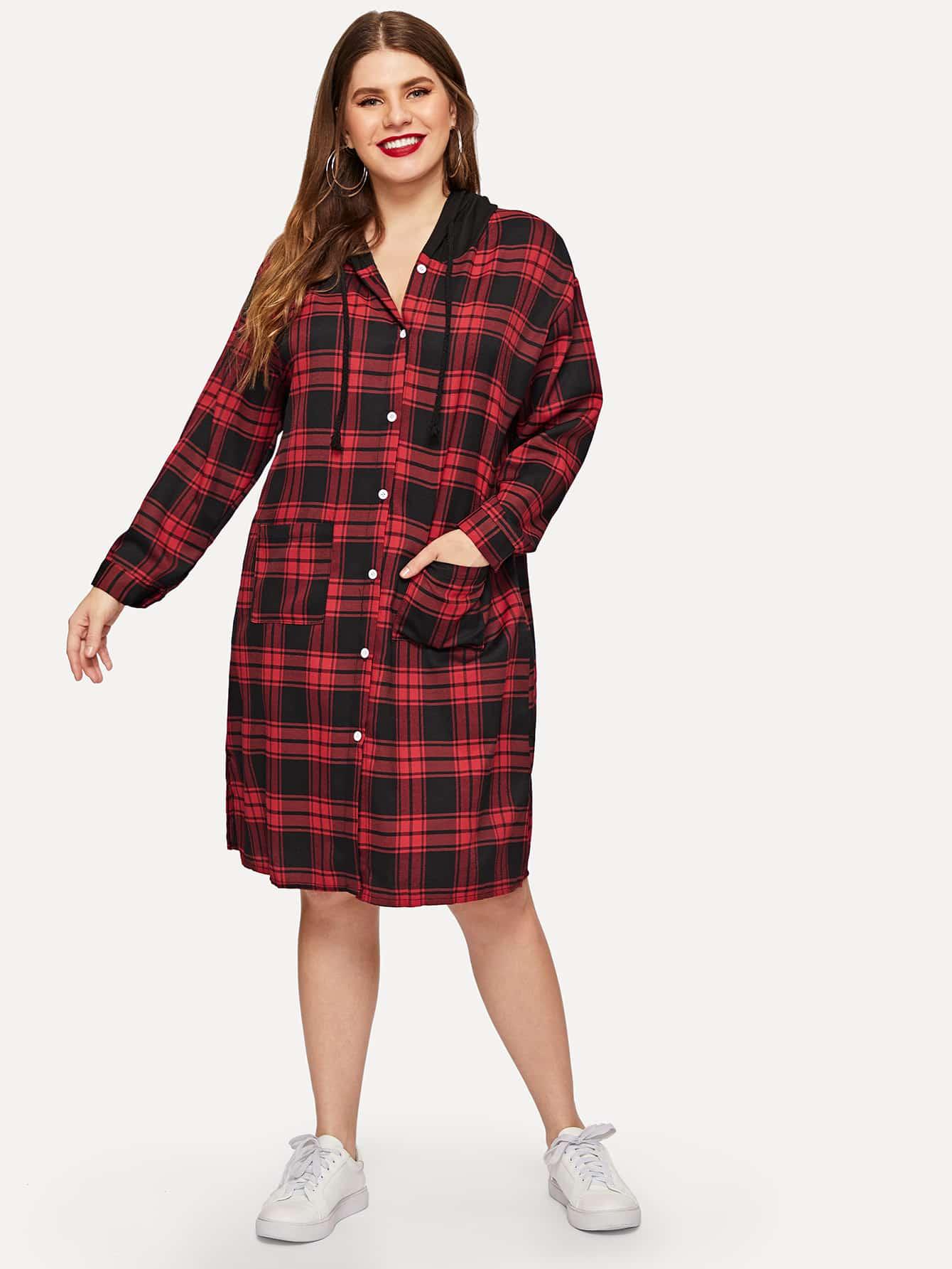 Размера плюс платье-рубашки в клетку с контрастным капюшоном