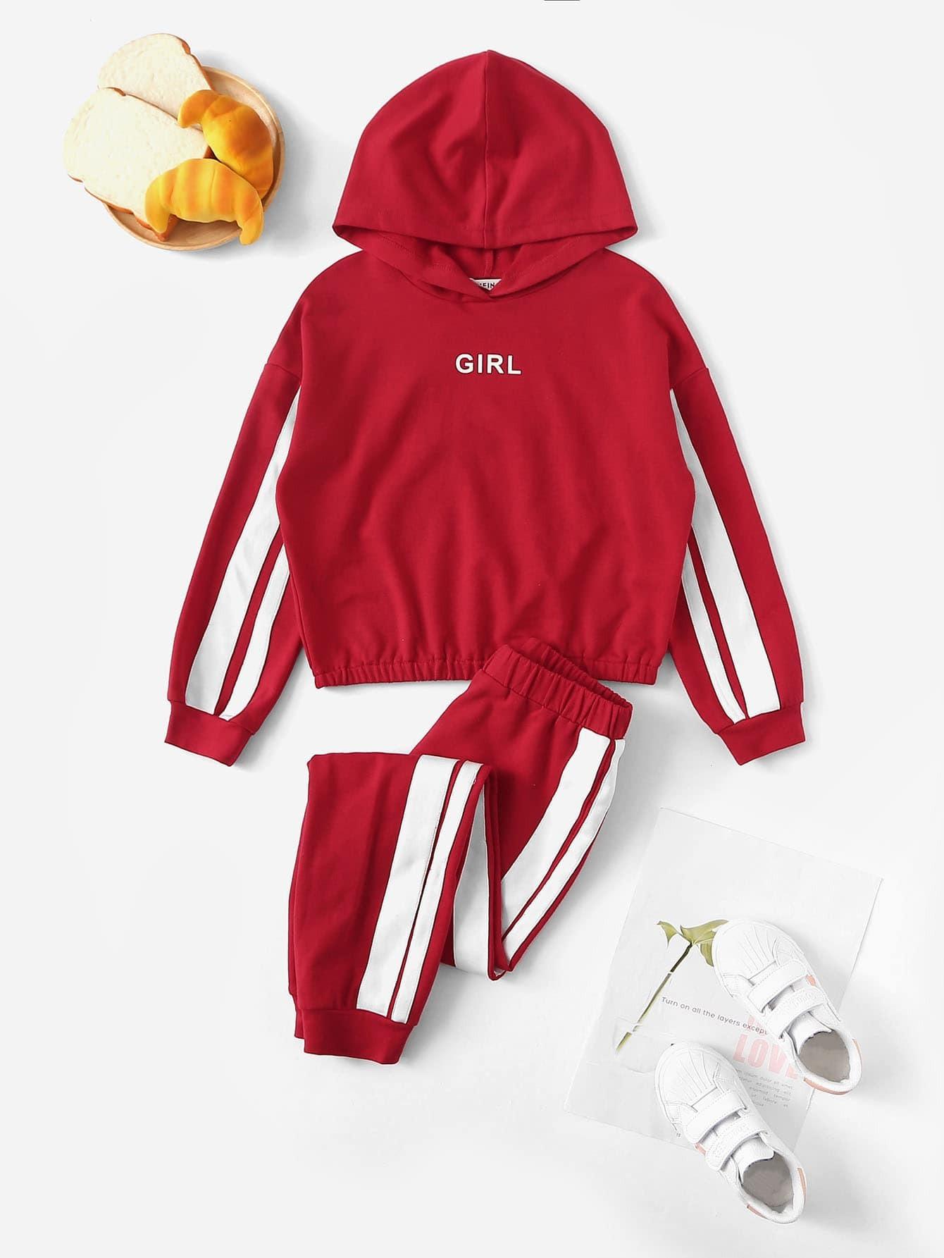 Двухцветная толстовка с текстовым принтом и спортивные брюки для девочек от SheIn