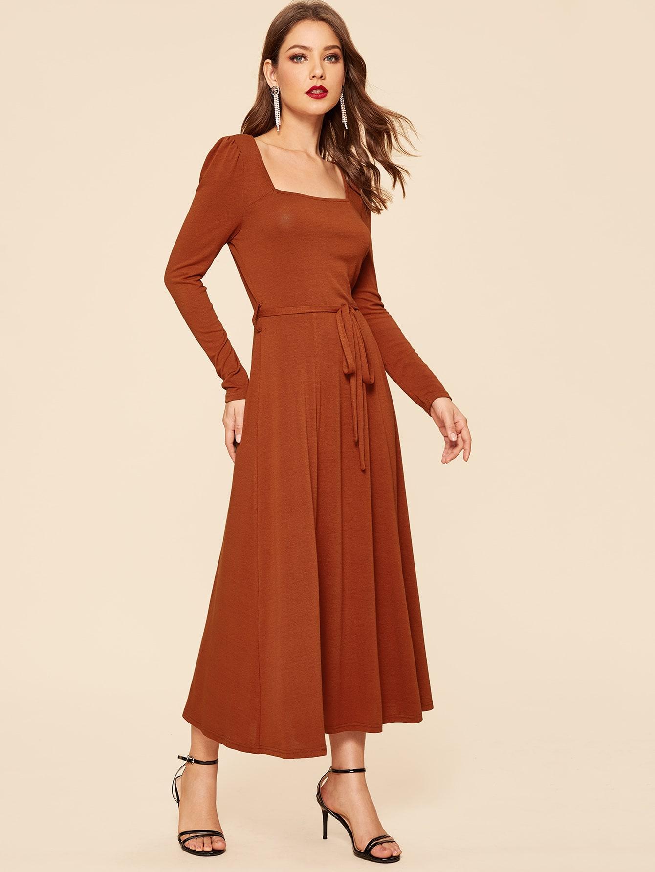 Купить 70s приталенное платье-клёш с поясом и квадратным воротником, Debi Cruz, SheIn