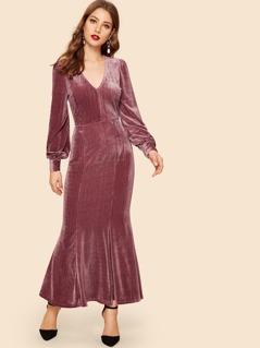 V Neck Mermaid Hem Ribbed Velvet Maxi Dress