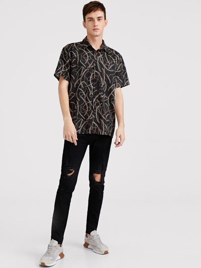 SheIn / Men Chain Print Short Sleeve Shirt