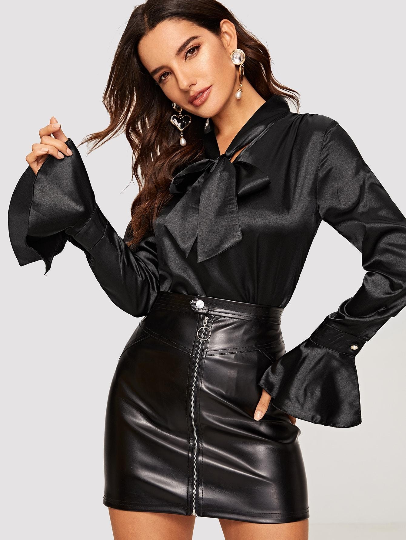 Купить Сатиновая блуза с завязкой на шее и оригинальным рукавом, Juliana, SheIn