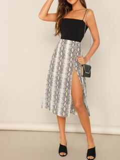 Mid Rise Side Slit Knee Length Snake Print Skirt