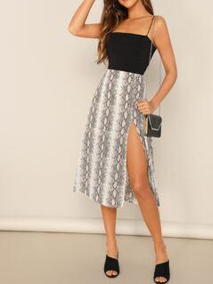 Mid Rise Side Slit Knee Length Snake Print Skirt