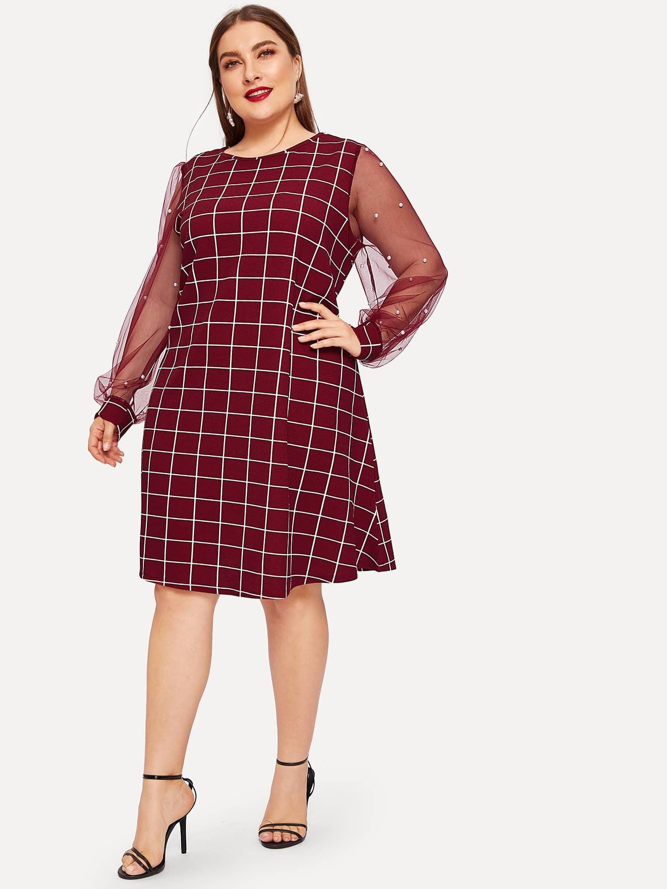 Размер плюс платье в клетку с сетчатыми рукавами и жемчугами
