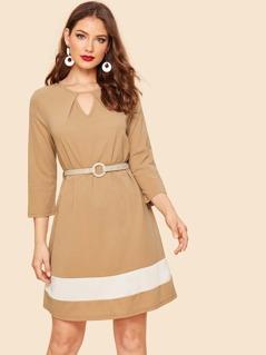 60s V Cut Contrast Panel Dress