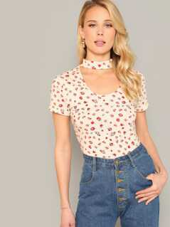 Choker Neck Form Fitting Ditsy Floral Tee