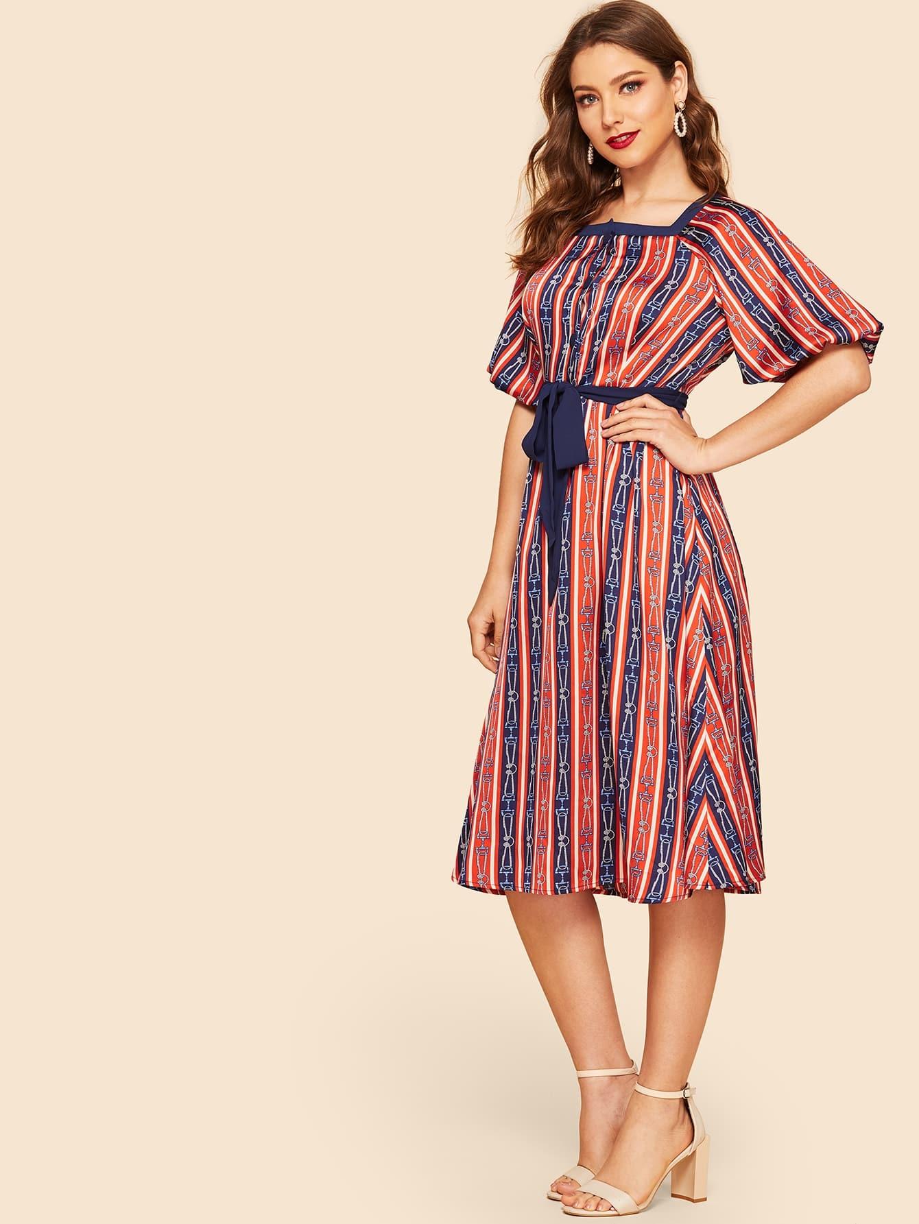 Купить Платье с цепным принтом и оригинальным рукавом и поясом, Debi Cruz, SheIn