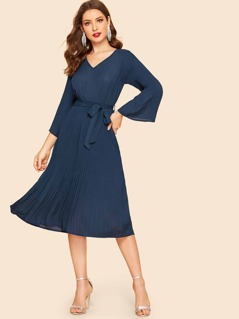 70s Bell Sleeve Pleated Flowy Dress With Belt