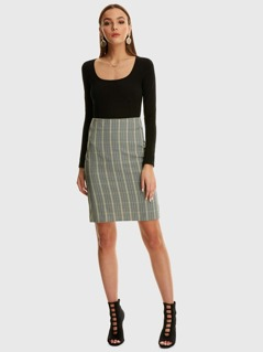 Split Back Fitted Glen Plaid Skirt