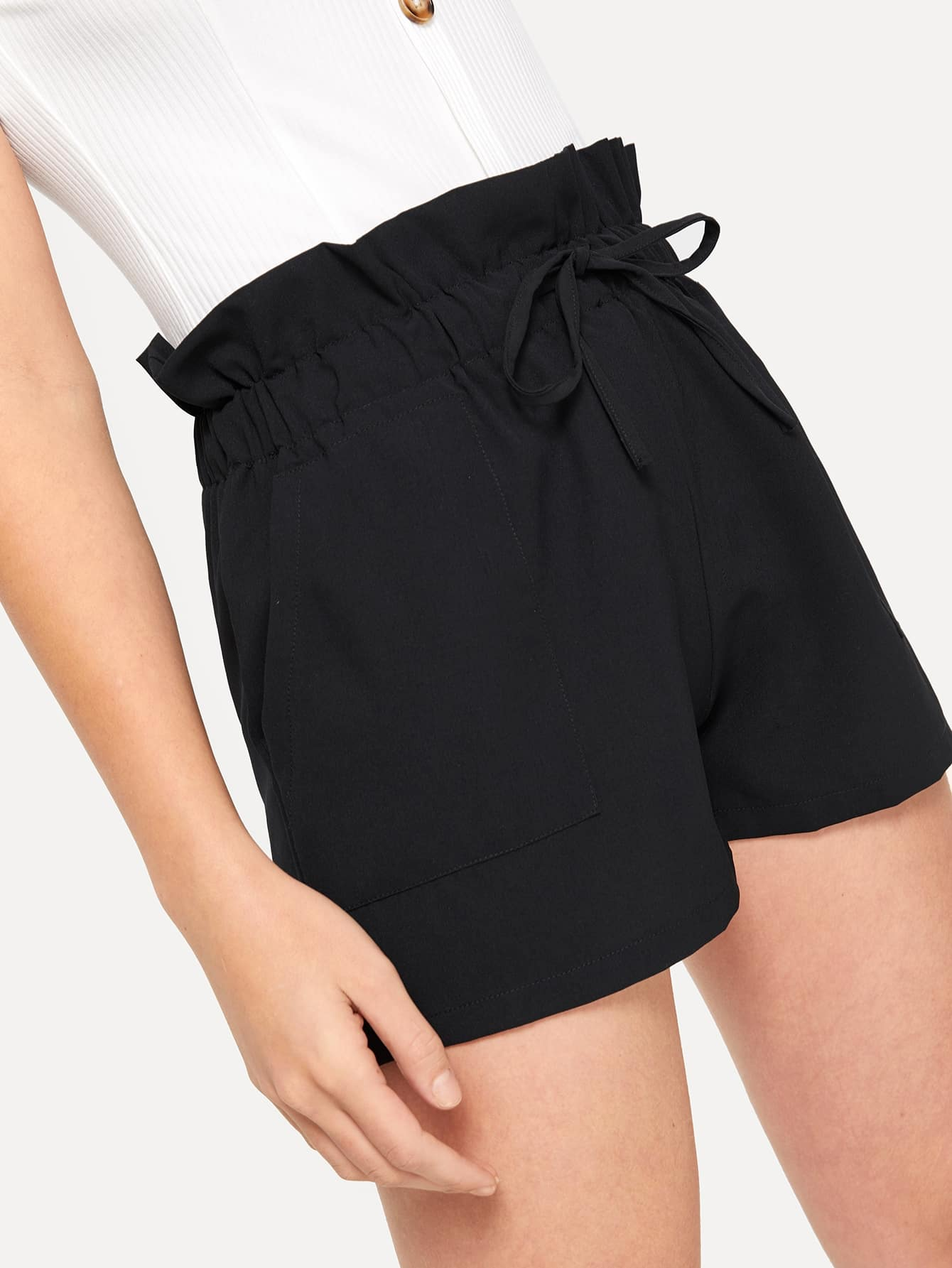 SHEIN / Shorts con volante de cintura con cordón