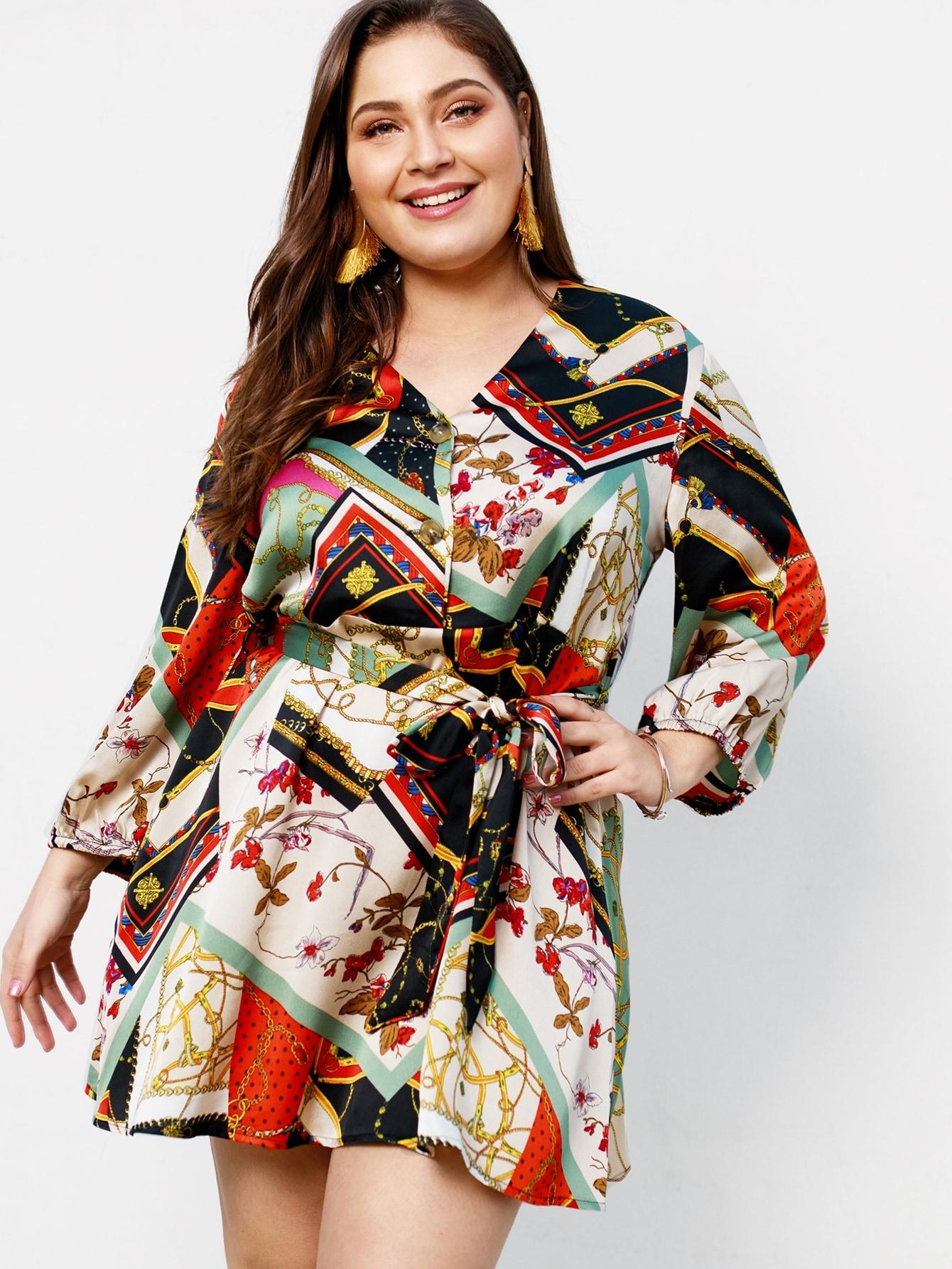 Размера плюс платье с пуговицами и графическим принтом