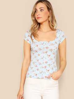 Scoop Neck Ditsy Floral Tee