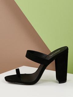 Toe Loop Single Band Chunky Heel Sandals
