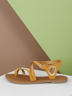 Toe Loop Criss Cross Detail Buckled Flat Sandals