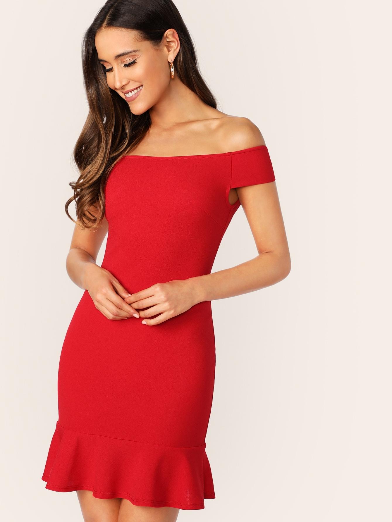 Купить Приталенное платье на молнии сзади с оборкой и открытыми плечами, Anna Herrin, SheIn