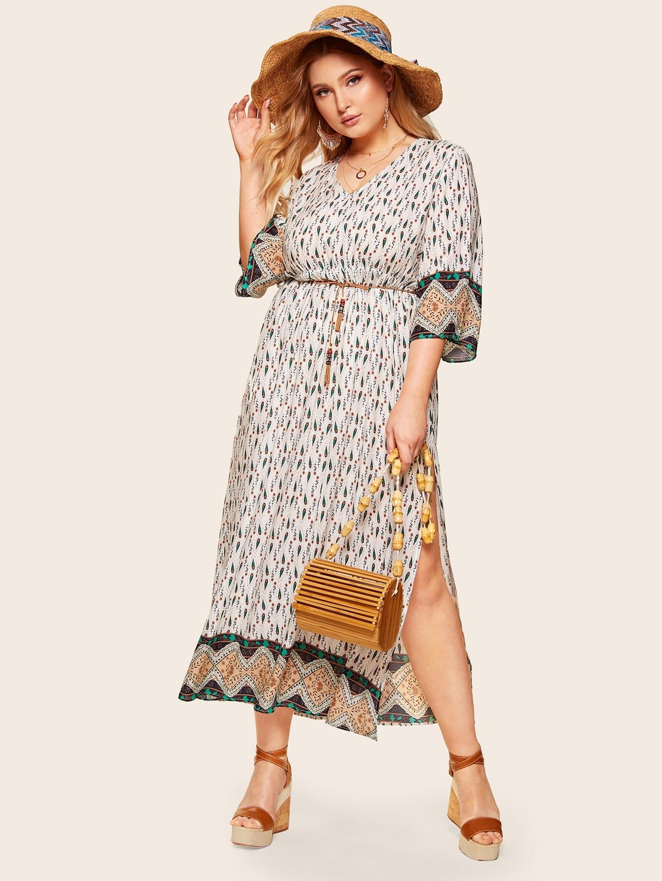 Размера плюс платье с поясом и племенным принтом