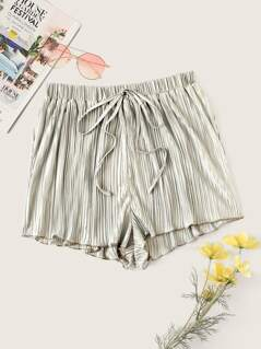Drawstring Waist Pleated Shorts