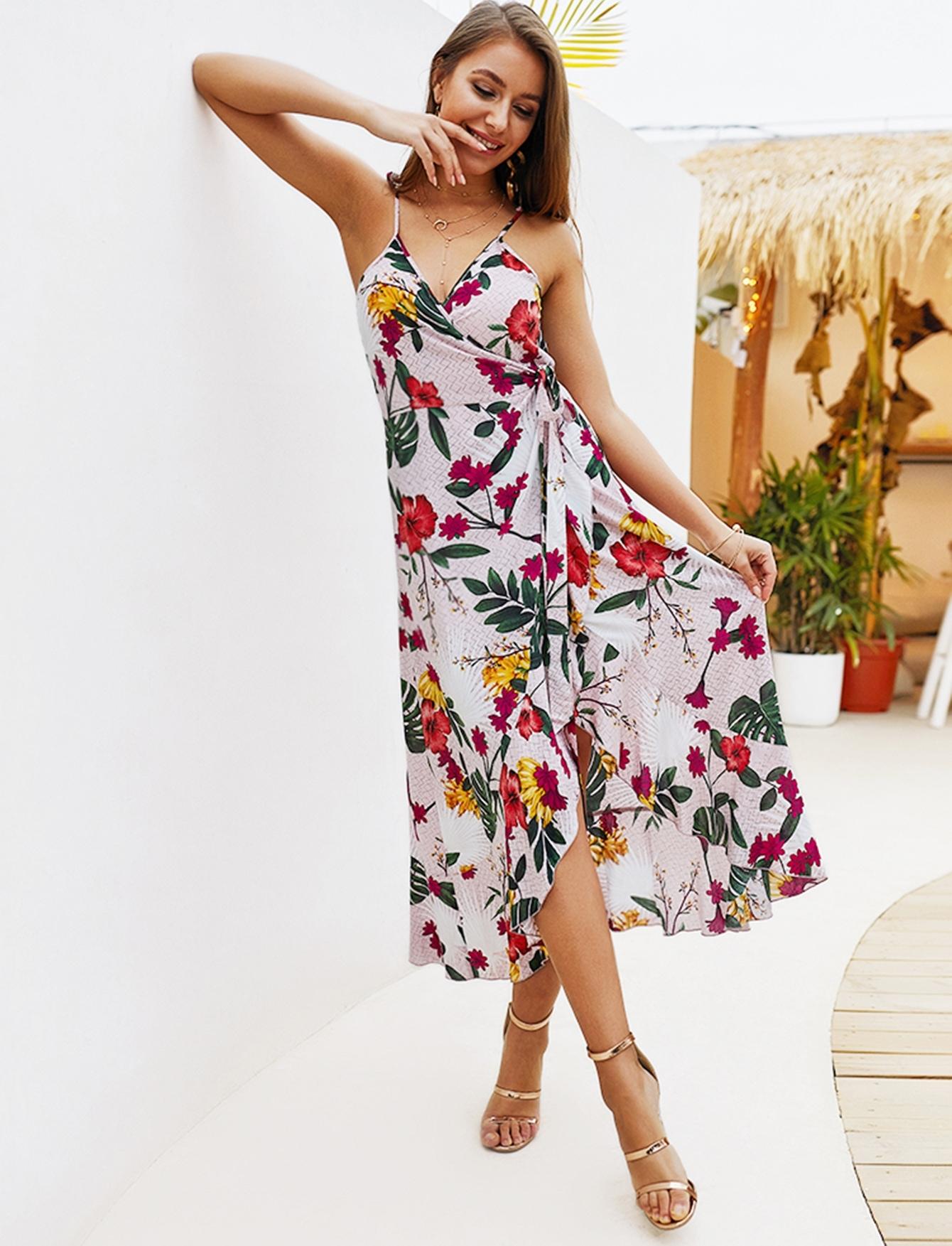 Купить Цветочное платье на бретелях с бантом и запахом, null, SheIn