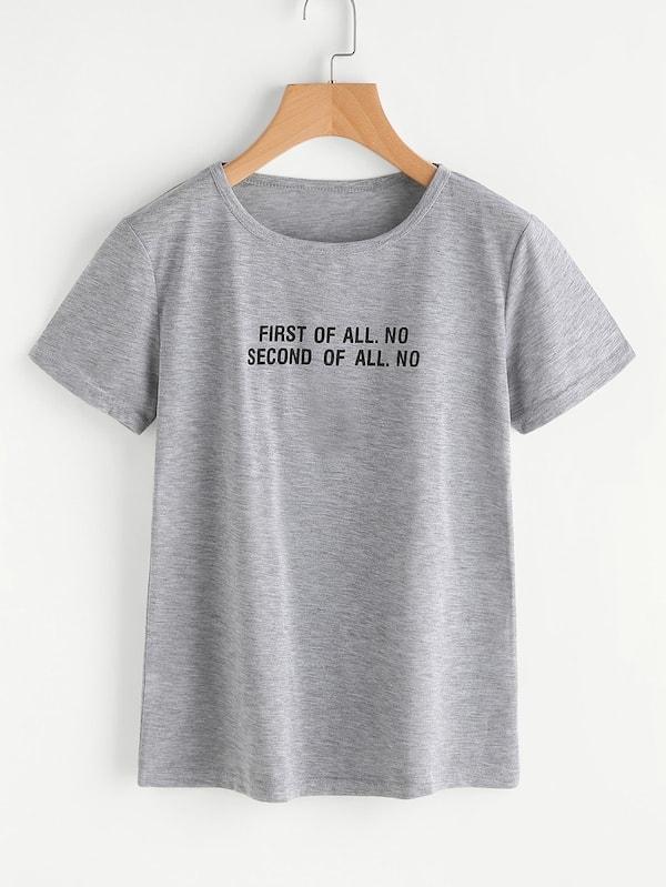 Фото - Размер плюс футболка с текстовым принтом от SheIn цвет серые