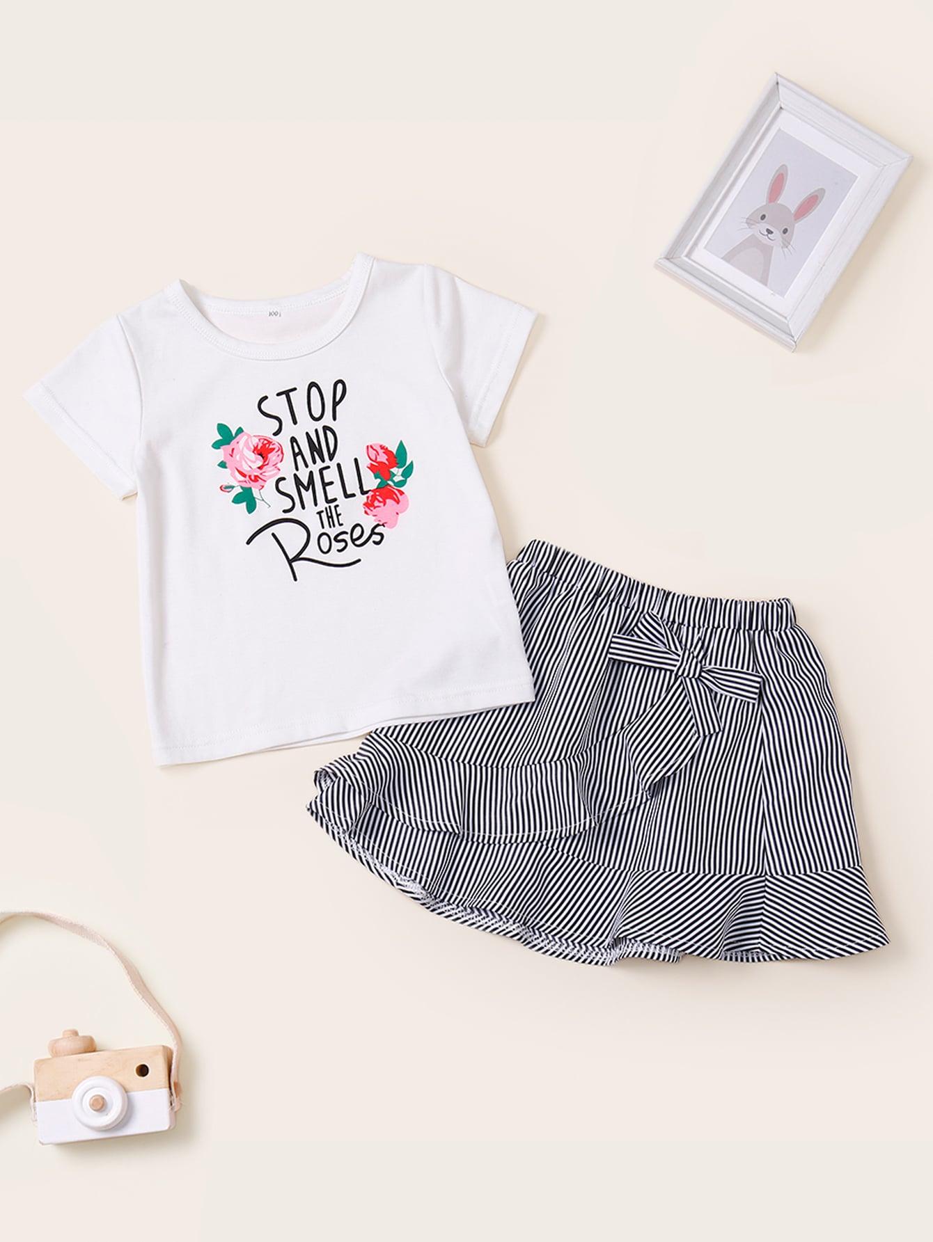 Фото - Футболку с текстовым принтом и юбка в полоску с оборками для маленьких девочек от SheIn цвет многоцветный
