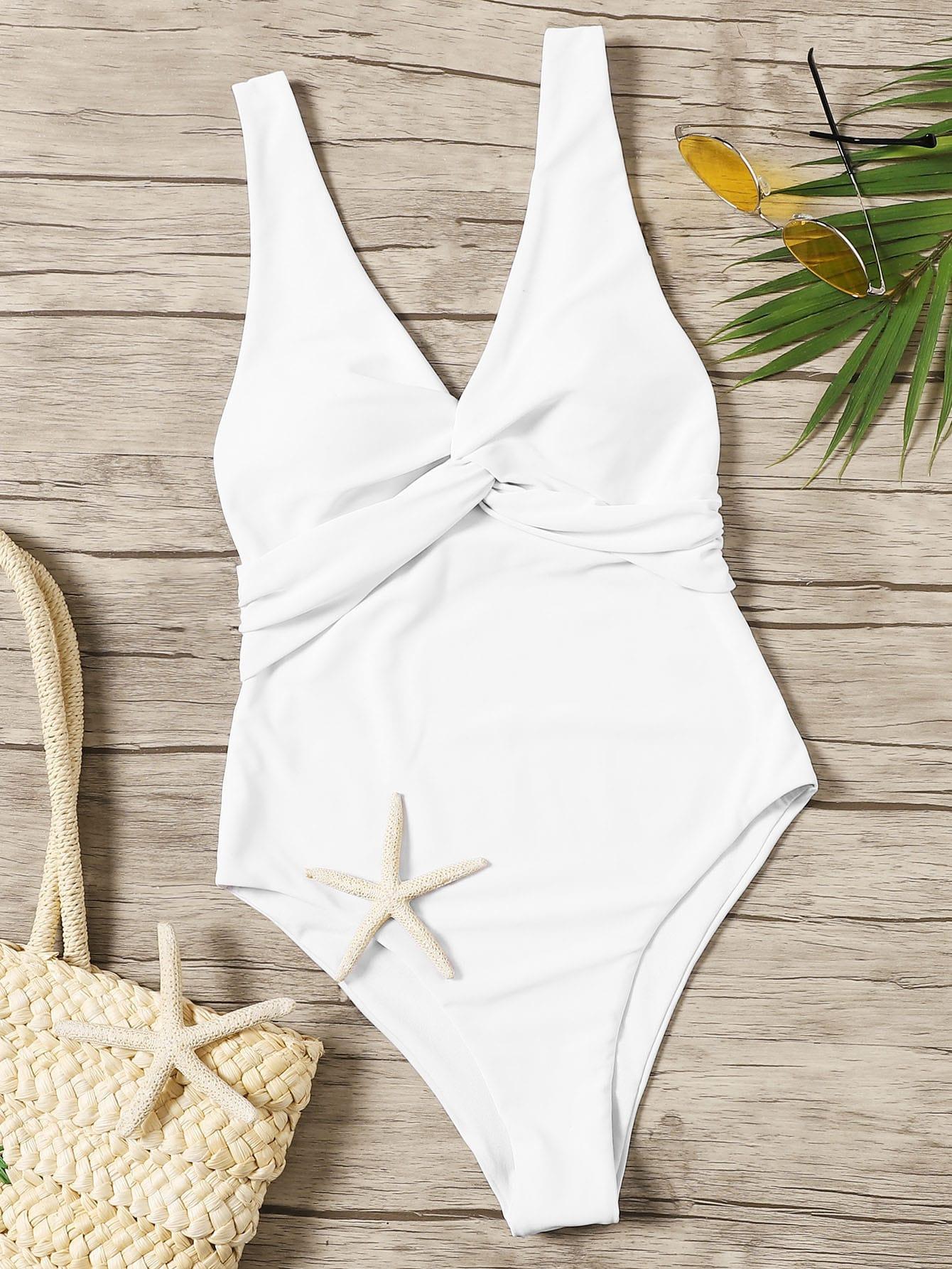 Фото - Слитный купальник с низкой спинкой и драпировкой от SheIn белого цвета