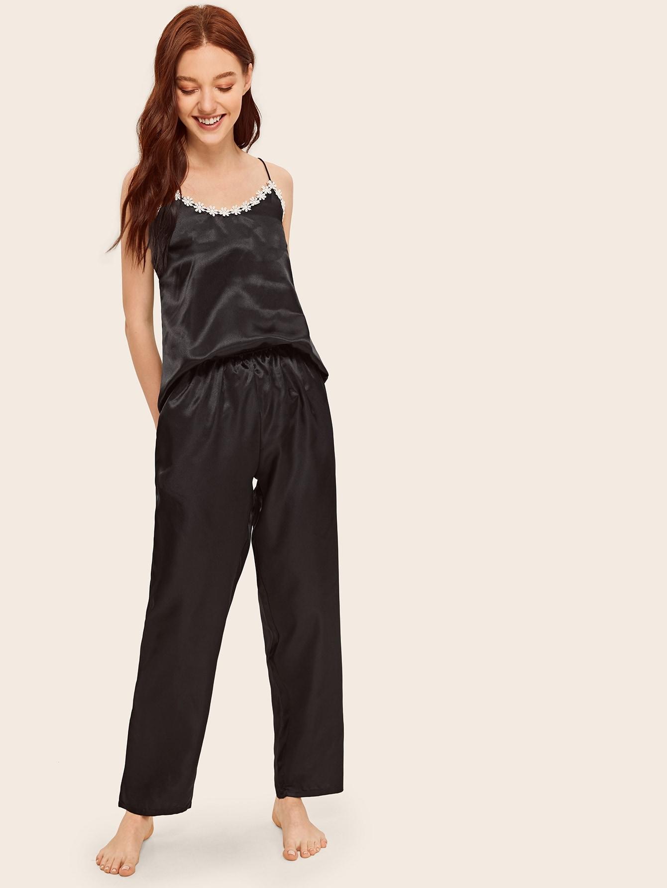Фото - Атласная пижама с ажурной отделкой от SheIn цвет чёрные