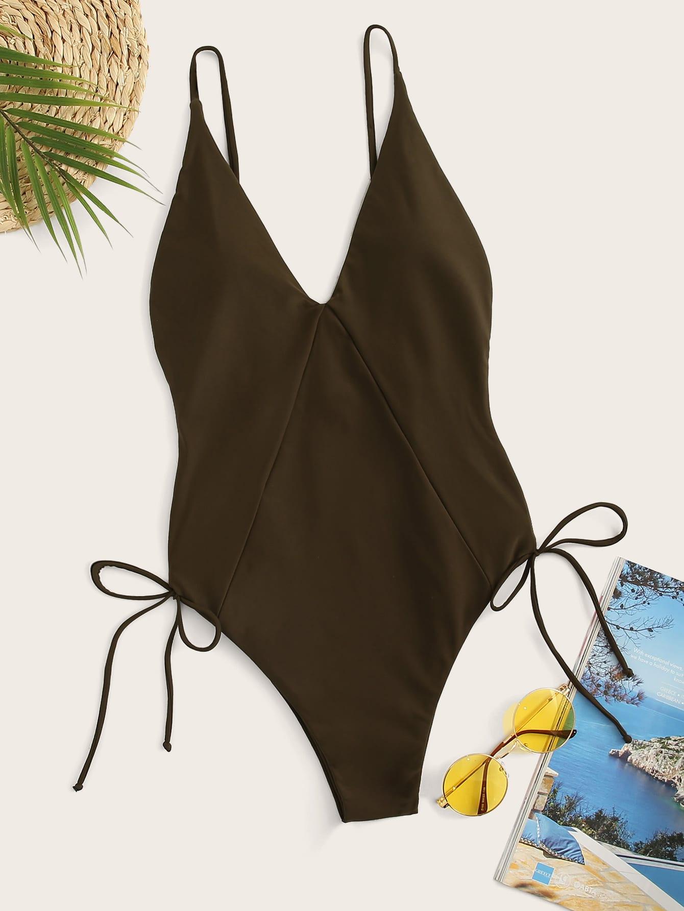 Фото - Слитный купальник на шнуровке с глубоким v-образным вырезом от SheIn коричневого цвета