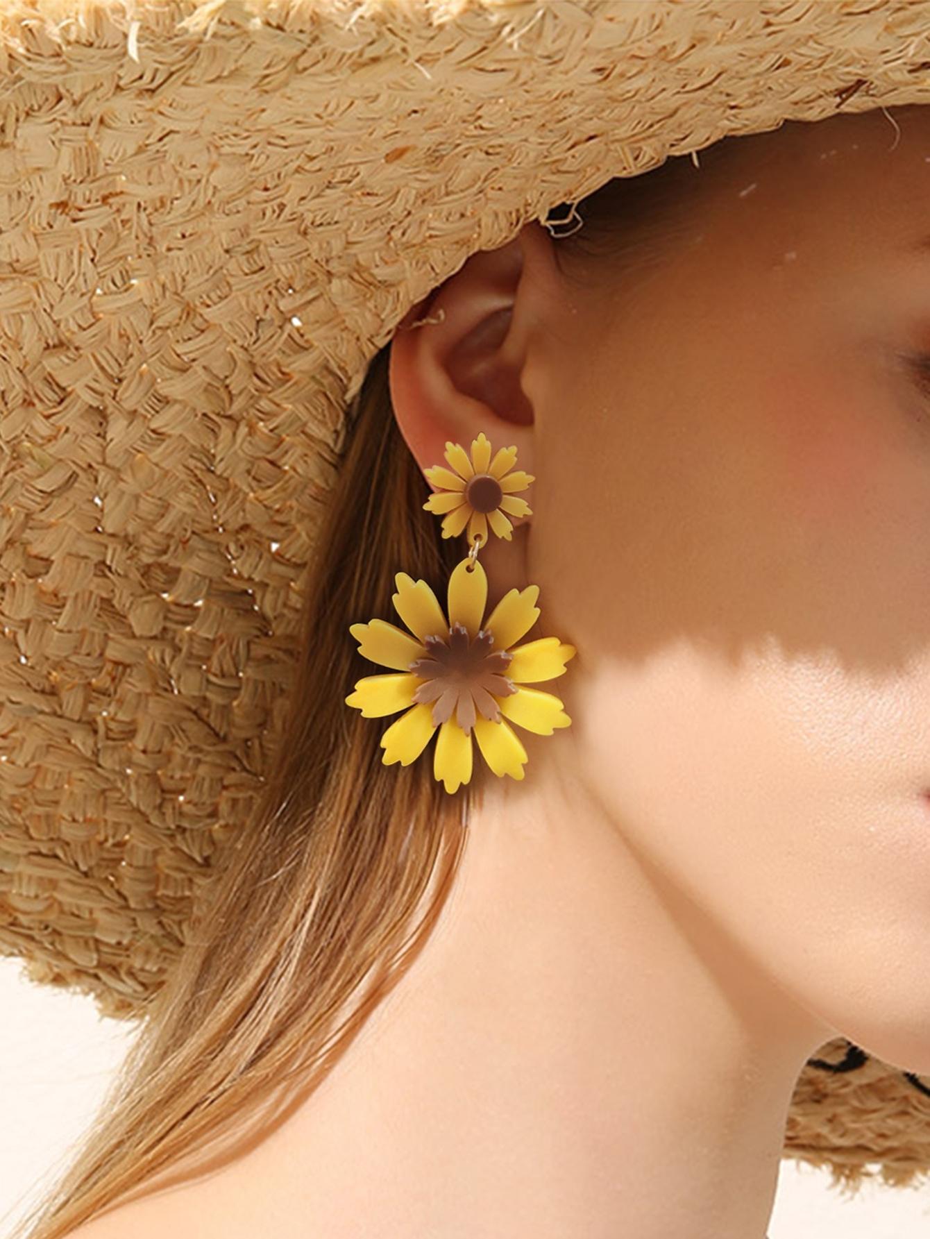 Фото - Серьги-подвески с цветами 1 пара от SheIn желтого цвета