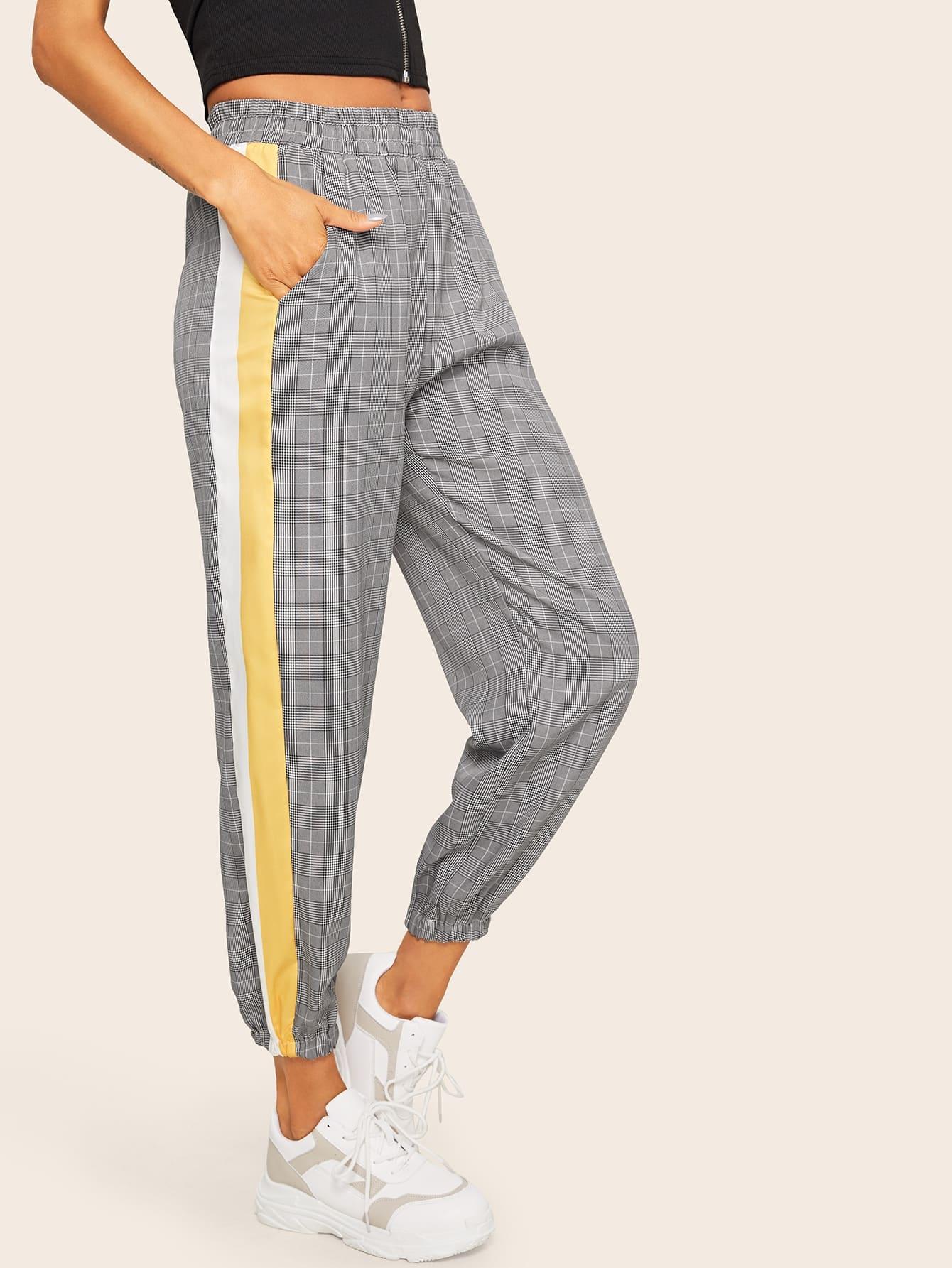Фото - Контрастные брюки в клетку от SheIn серого цвета