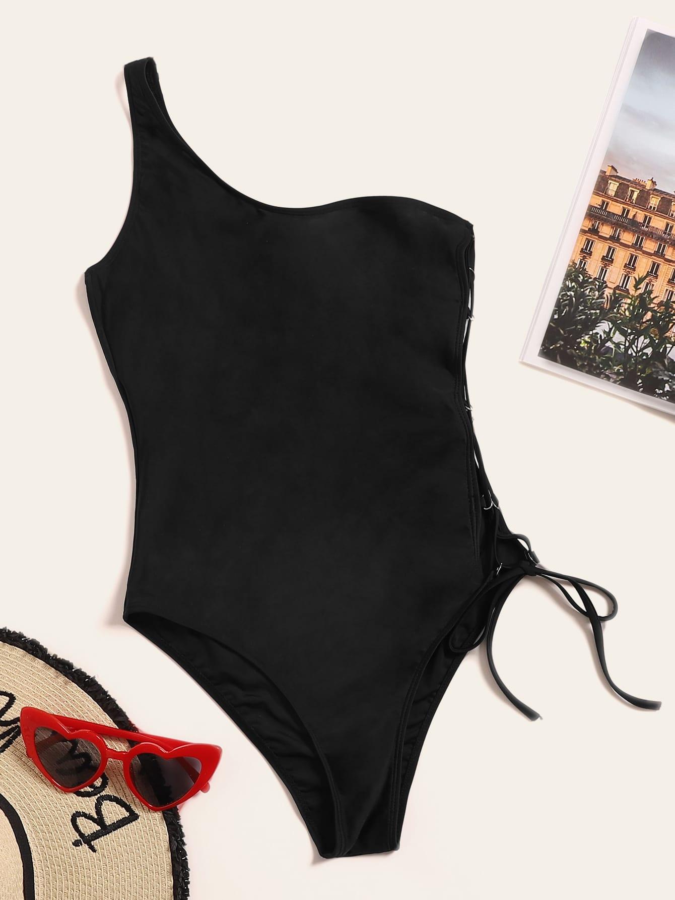 Фото - Слитный купальник на одно плечо с шнуровкой от SheIn черного цвета