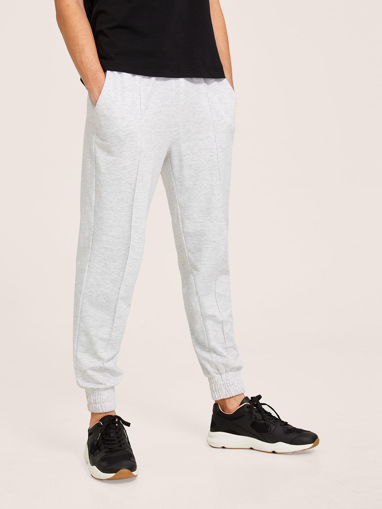 Фото - Мужские вязаные брюки с поясом от SheIn серого цвета
