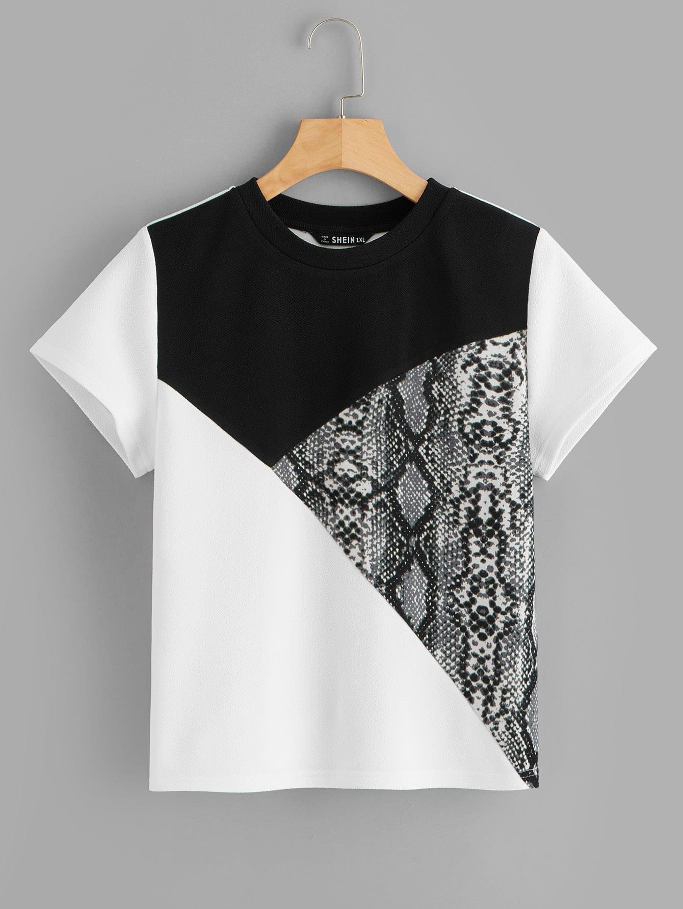 Размер плюс контрастная футболка с змеиным принтом SheIn