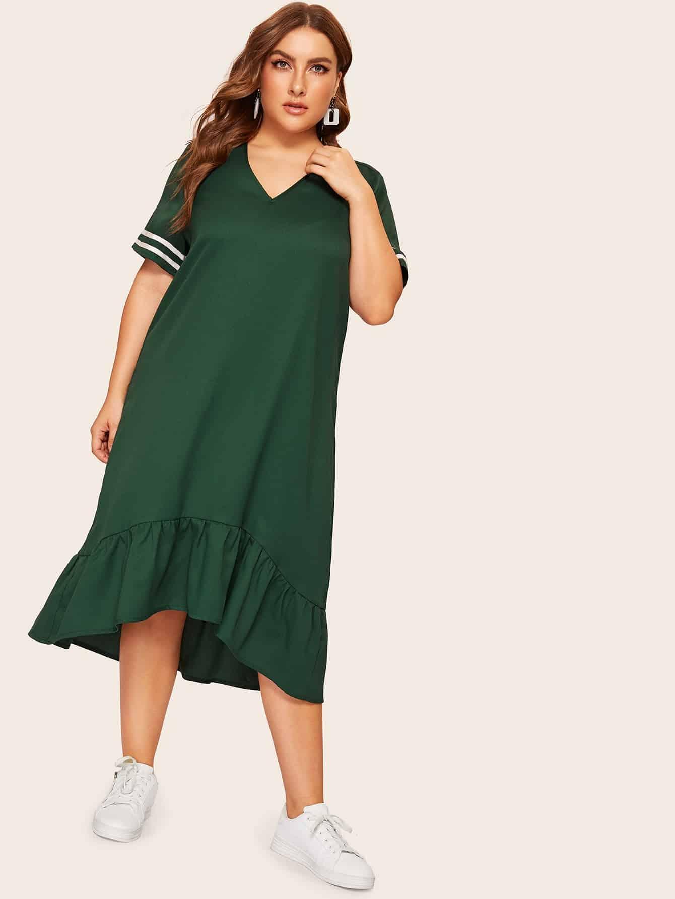 Фото - Размер плюс платье с v-образным вырезом и оборками от SheIn цвет зелёные