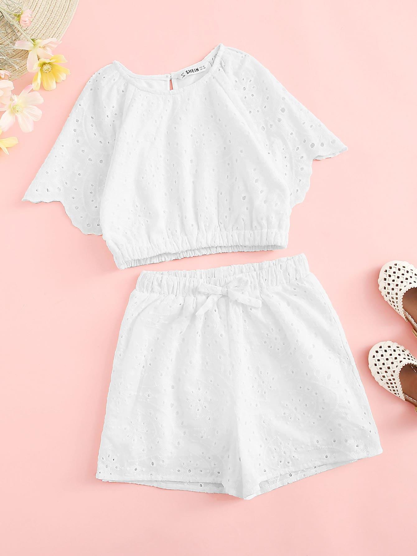 Фото - Кроп топ и шорты с узелом комплект для девочек от SheIn белого цвета